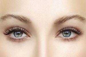 Как обеспечить уход за кожей вокруг глаз