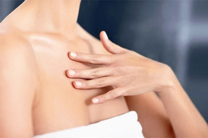 Советы по уходу за кожей шеи и декольте